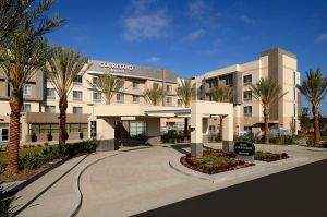Courtyard-Marriot-Long-Beach1.JPG