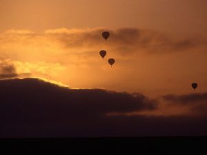 Hot-air-balloons-sunset.jpg